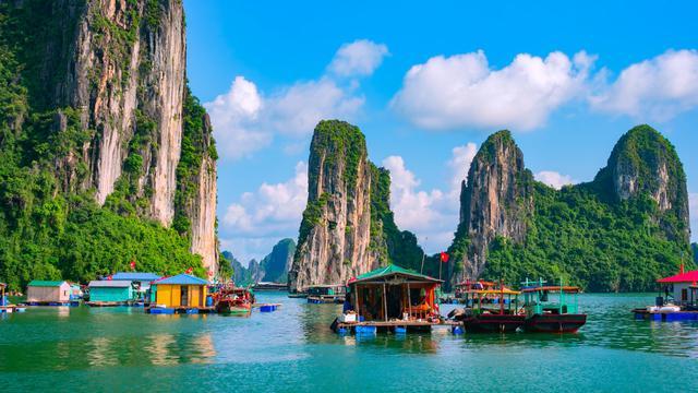 berlibur ke vietnam