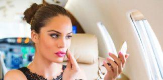 makeup di pesawat